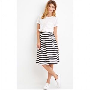 Dresses & Skirts - Contemporary A-Line Skirt